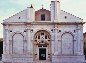Tempio Malatestiano, Rimini by smARTraveller