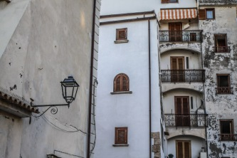 Buildings - Sperlonga © smartraveller blog