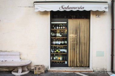 salumi shop - Sperlonga © smartraveller blog