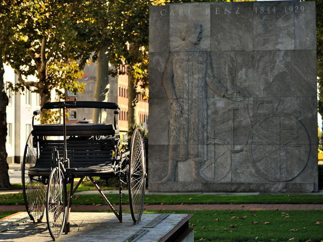 Monumento Carl Benz Patent Motorwagen :: Mannheim ::Germany.preview