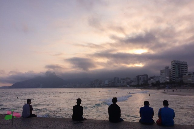 Lost in the sunset at Ipanema Beach, Arpoador, Rio de Janeiro ph. smartraveller blog